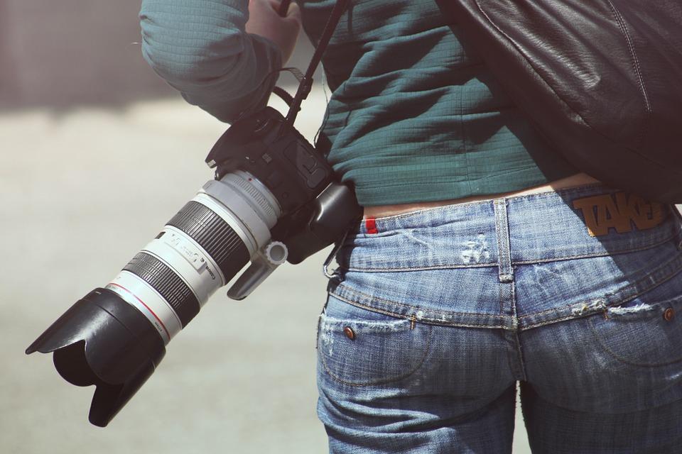 woman-photographer